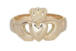 Ladies Claddagh Ring in 18K Gold