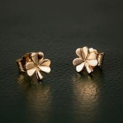 14K Gold Shamrock Stud Earrings in Gold